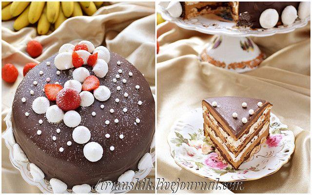 "ТОРТ-БЕЗЕ ""КОФЕ И ШОКОЛАД""  БЕЗЕ: 6 белков (3 Х 2 белка) 1,5 ст. сахара (3 Х 0,5ст.) Пока пекутся безе,можно готовить ганаш и крем. ГАНАШ: 200г сливок (33%) 250г   темного шоколада (55%) 35г масла КРЕМ: 115г молока 90г сахара 6 желтков 375г масла 15г растворимого кофе ГЛАЗУРЬ: 250г темного шоколада (55%) 100г молока 150г сливок (33-35%) 20г сливочного масла"
