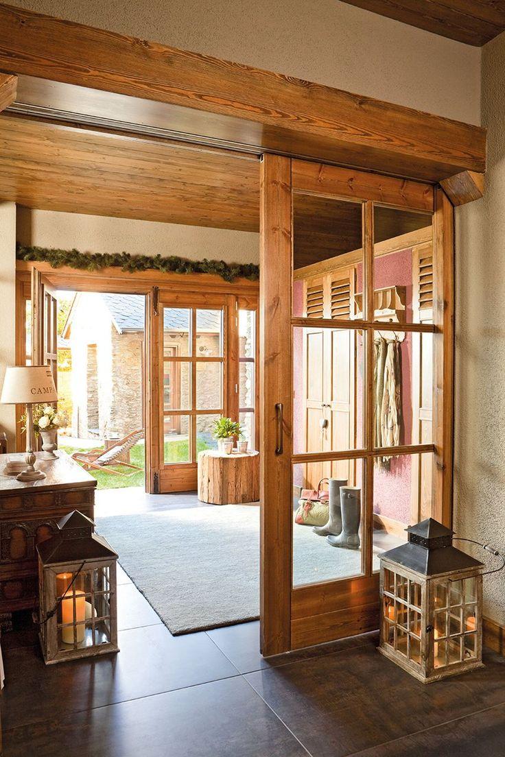 Las 25 mejores ideas sobre puertas de vitrinas en for Salones con vitrinas
