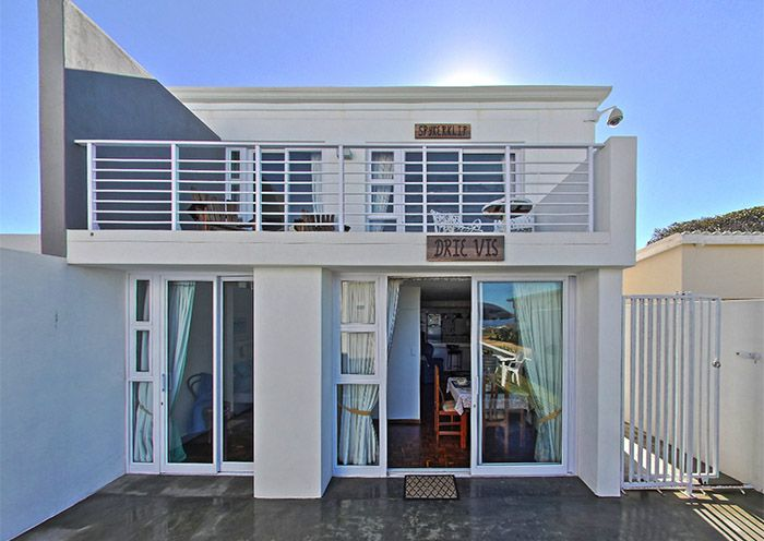 Die Rotse Die Rotse Host House & Self-catering is a 4-Star TGCSA graded Self-catering facility, located in a peaceful cul-de-sac on Beach Road, Kleinmond, | Holiday Houses SA