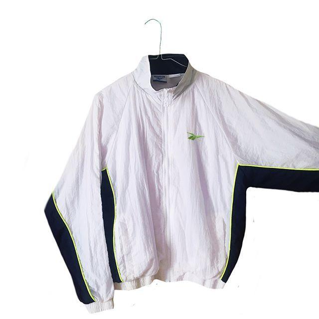NEW!!🔝🔥🔥🔥 Crazy jacket REEBOK Crafted. Talla M/S. 34€ + 5€ de gastos de envío. Cómprala en:⚡️returnflights.bigcartel.com⚡️ #returnflightsstuff #crazyjacket #madrid #streetstyle #bcn #trap #vintage #vintageshop #cracyjsckets #vintagemadrid #retro #bmx #sk8 #retrostyle #bmx #sport #dance #streetdance #rap #danzaurbana #bboy #skate #ravemarket #twerk #dancehall #hiphop #graffiti #danzaurbana #graffiti #80's #adidas #reebook #crafted