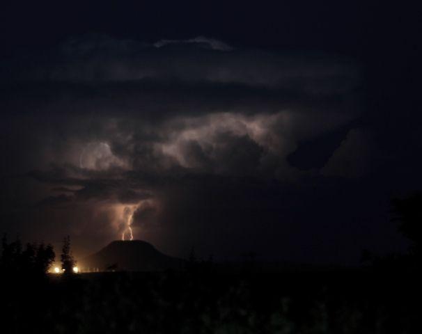 Lightning strikes. © John McIlvaine