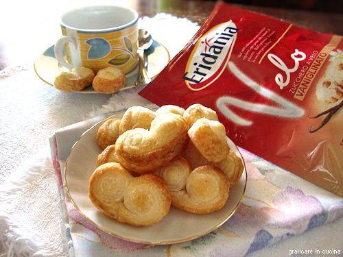 """Prussiane o girelline di pasta sfoglia da """"Graficare in cucina"""". #ricetta #zucchero #classico #velo #eridania #zuccheroavelo #prussiane #sfoglie #eridanialovers"""