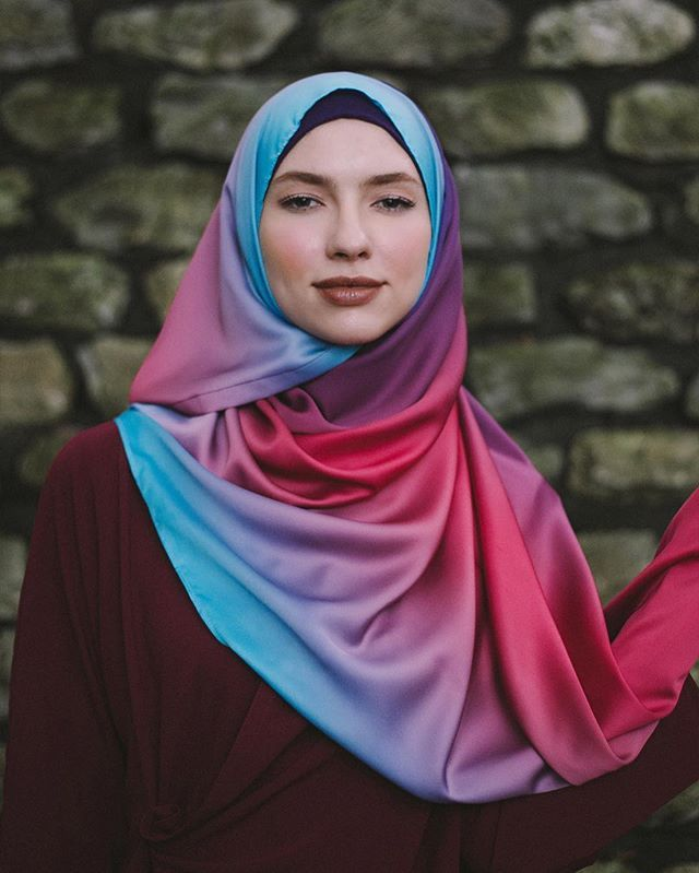 [DOUBLE TAP IF YOU LOVE THIS COLOUR] And now it's time for the name game for this colour! What do you think should be the name for this colour? Would you suggest it below? Follow @twilightsugarscarf for more updates! 😁😘😍😊❤️ - #sugarscarf #hijabootd #scarf #shawl #styleinspiration #fashion #hijab #hijabfashion #modest #islamicfashion #ootdhijab #ootd #twilightsugarscarf