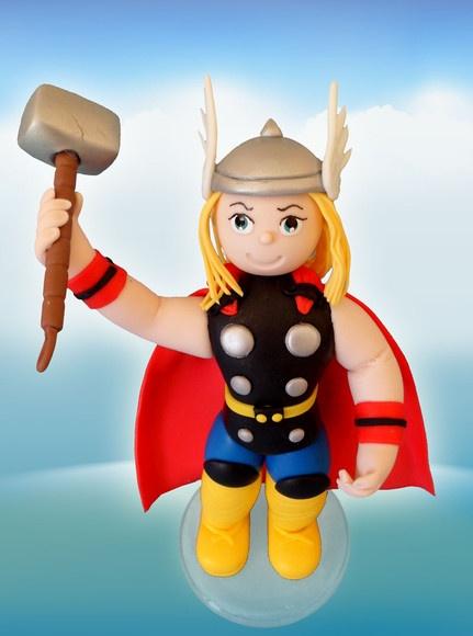 Thor,feito em biscuit,modelado a mão. R$70,00