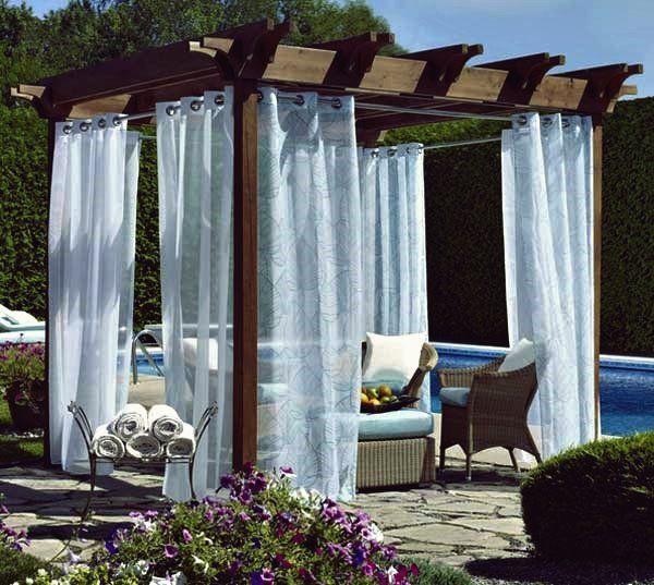 26 Ideen Zum Dekorieren Im Freien Mit Hellen Stoffen In Den Sommertagen Veranda Vorhange Garten Unterstand Dekorieren