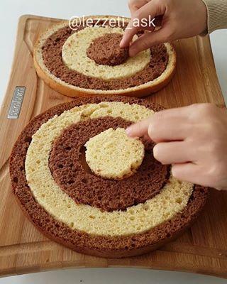 2 renkli damalı pasta ❤ Hazır pandispanyadan içiçe geçirelerek yapılan kolay ve ...