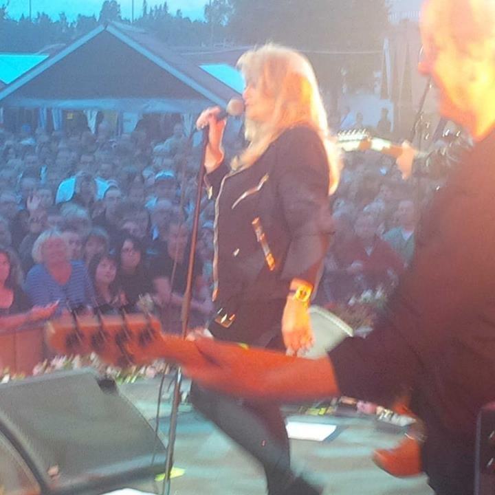 Bonnie Tyler - Picture by Matt Davis - #bonnietyler #gaynorsullivan #gaynorhopkins #thequeenbonnietyler #therockingqueen #rockingqueen #music #rock #2013 #finland #kuopio #concert #bonnietylervideo #kuopiowinefestival #mattdavis