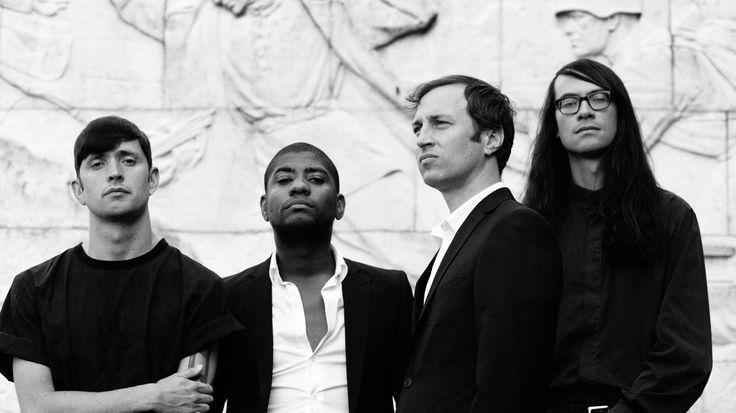 Algiers: band cupa e forte, con un etichetta addosso di post punk che non sa racchiudere il loro essere artisti. Leggete la recensione del loro ultimo disco