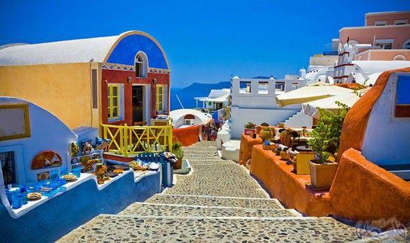 جزيرة سانتوريني اليونانية قبلة السائحين وهواة الغوص Visiting Greece Greece Sightseeing Santorini Greece