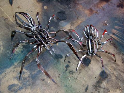 Scissors Spiders by Cristopher Locke: More cool than scary.Confisc Scissors, Artists, Spiders Sculpture, Art Design, Christopher Locks, Scissors Spiders, Mr. Beans, Cupcakes Rosa-Choqu, Stainless Steel