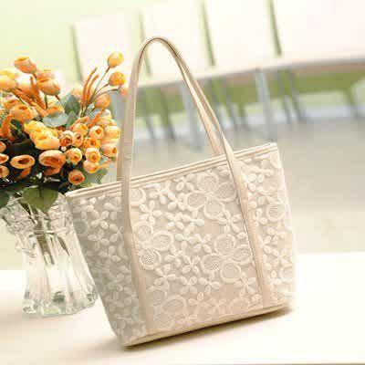 20017 Rice Tinggi : 28cm Panjang : 32cm Tebal : 10cm Tali Panjang : Ada Cara Buka : Resleting Bahan : PU 500 gram 137.000 #fashion #bag #tas