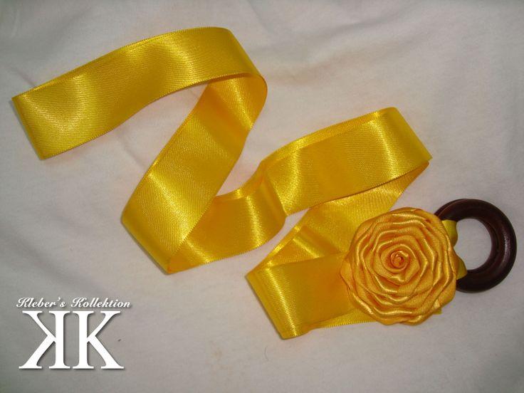 cuando no sepas como combinar opta por el amarillo. #DIY #KK #fashion #moda #belt