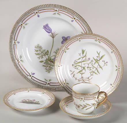The famous  Flora Danica  china pattern featuring botanical motif from Royal Copenhagen. It & 55 best China Patterns: Unusual images on Pinterest   China patterns ...