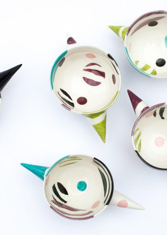 Cocomelo Ceramics | Colleen Dwyer Meloche est une artiste qui travaille principalement avec la porcelaine. Sa pratique artistique se partage entre la céramique fonctionnelle pour la maison et la sculpture construit d'argile, bois, métal et parfois, les objets trouvés.