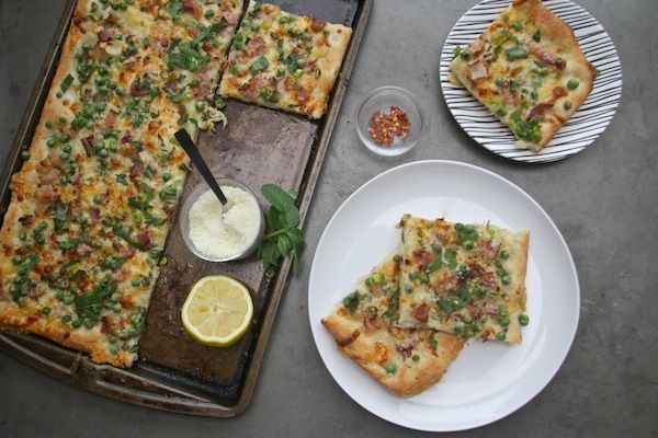 bacon and pea pizza // shutterbean | Food: Pizza | Pinterest