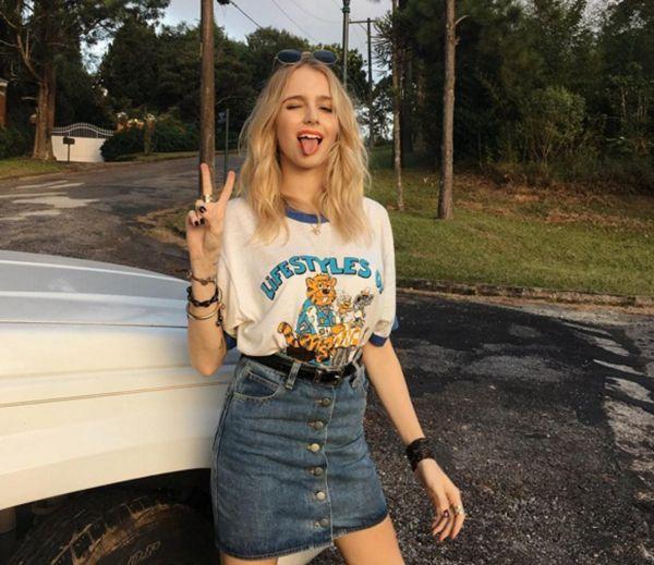 Isabella Scherer Look Saia Jeans e Tshirt Street Style