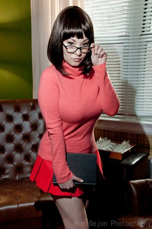 velma single girls Parody porn by meet and fuck about all long we all know a girl velma she accidentally received a parcel in which he found sexy the miracle machine without hesitation she decided to try it.