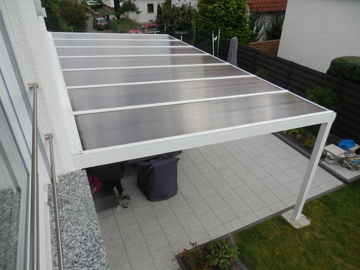 Perfect Ein Alu Terrassendach der Marke REXOpremium m x m in Wei mit REXOclear Stegplatten in