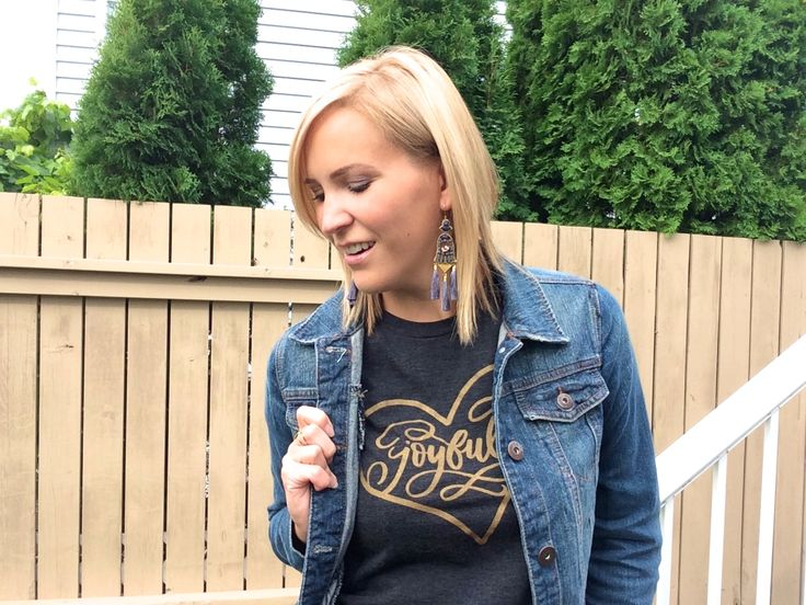 Love this graphic tee paired with the jean jacket!! Love them!!