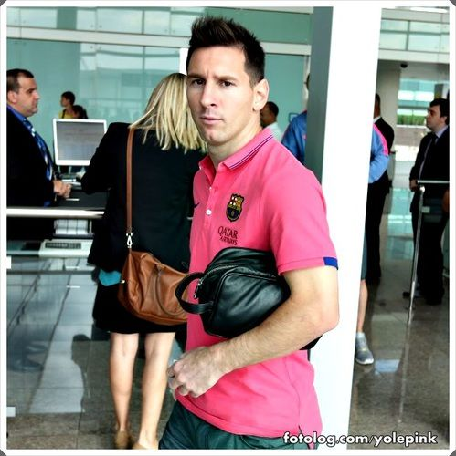 Messi em Màlaga : Olá,  Hoje o Barcelona enfrenta o málaga fora de casa, a partir das 17hs, horário de Brasília, o jogo será transmitido pela ESPN Brasil. Finalmente poderei assistir pela primeira vez, um jogo dessa temporada pelo campeonato Espanhol.  Bjs | yolepink