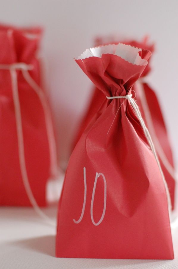 98 best packaging ideas images on pinterest wrapping wrapping easy candy favor bags from chelsea at frolic solutioingenieria Gallery