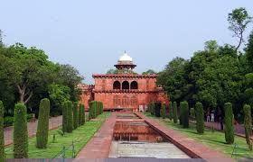 Hindi News India,Agra News,Agra Samachar: सेल्फी स्टिक से नहीं लिया जा सकेगा ताज  म्यूज़ियम म...
