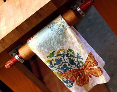 Like this idea—rolling pin towel rack—for a country kitchen—would use different brackets❣ (tutorial at link)