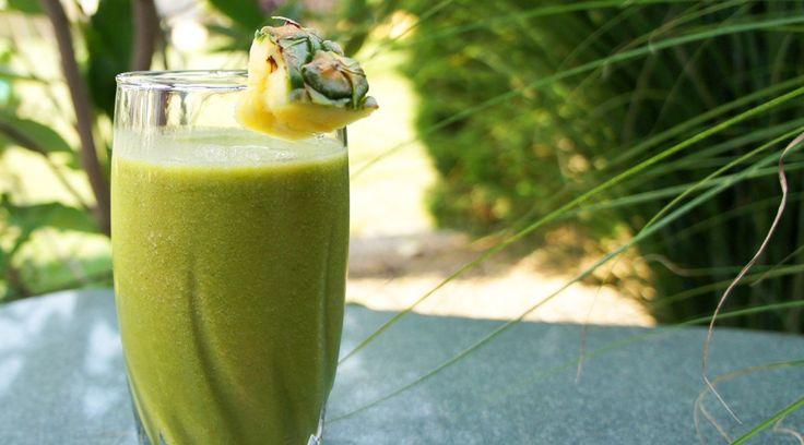 Groene smoothies zijn heerlijk en gezond! Als je er een beetje handigheid in krijgt, dan kost het nauwelijks moeite om aan een goede hoeveelheid groente en fruit per dag te komen.Wat ...