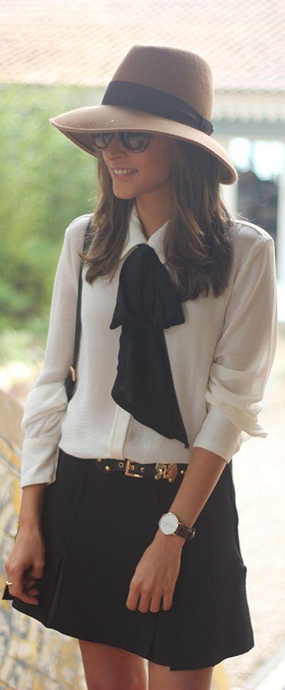 Blusa blanca y falda