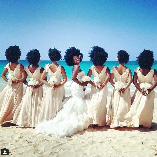 Nakya tinha um sonho em mente: uma festa de casamento em que ela se sentisse à vontade, exibindo toda a beleza e poder do seu cabelo afro