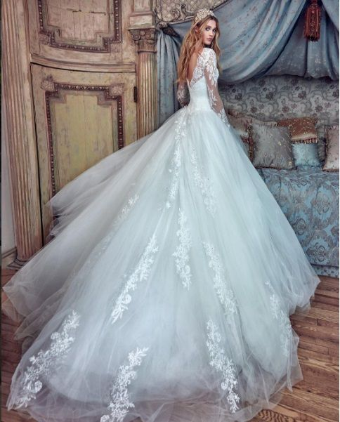 164 best Wedding dresses images on Pinterest | Wedding frocks ...