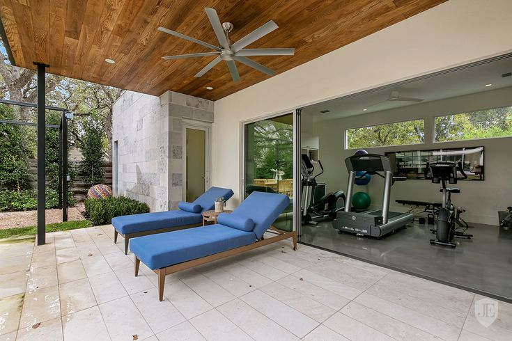 Privately Gated Estate in the Heart of Tarrytown in Austin TX United States for sale on JamesEdition