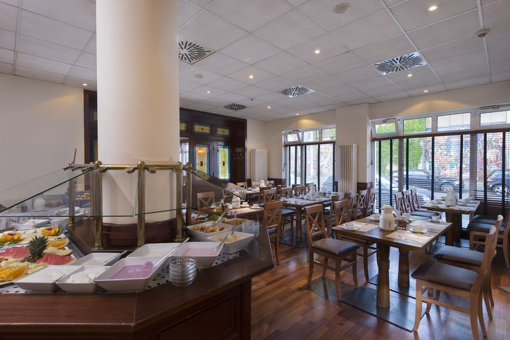 In the restaurant of the Best Western Hotel Mannheim City, the team serves a breakfast buffet every morning and am à la carte menu in the evening. The restaurant has space to seat 80 and focusses on regional cuisine.