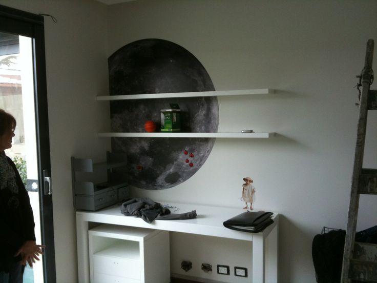Panel Metálico con impresión de la luna para uso de objetos imantados. Cuarto infantil. Grafica autoadhesiva Harry Potter