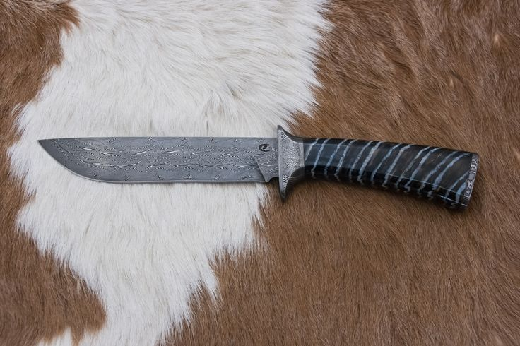 Nožířství - výroba nožů z damascénské oceli.