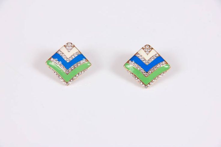 Earring in American Diamond for your Sister  For limited time , Muhenera is giving away free Lumba Rakhi along with this. (5) Mirraw.com