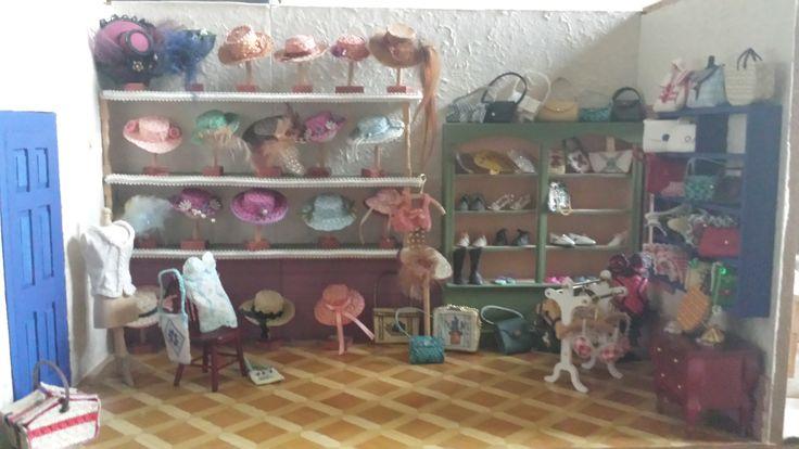 Hoedjes/lingerie winkeltje