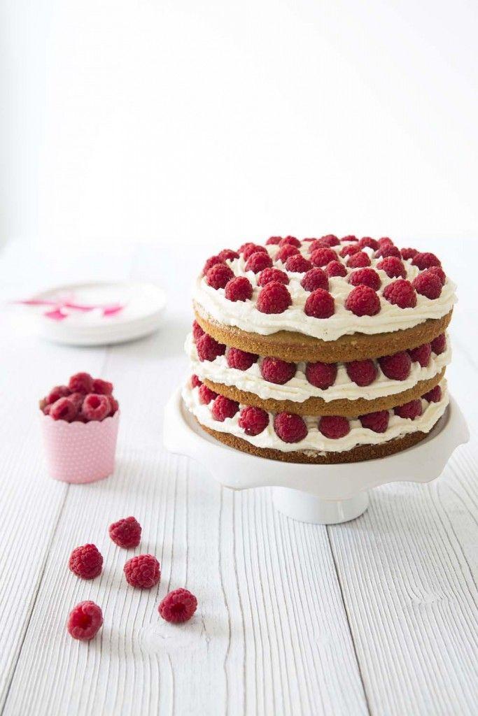 Photo de la recette : Layer cake framboises coco – bon anniversaire mon Bastien…