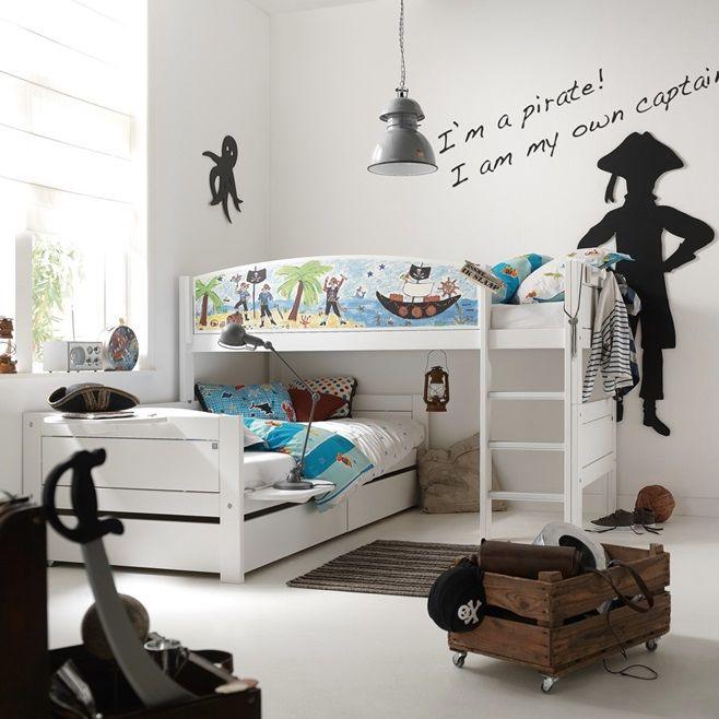Сочетание детского удовольствия и отдыха позволят вам получить детские кровати от датской компании Lifetime. Огромный выбор тем, начиная от пиратов и космонавтов заканчивая марокканскими принцессами. Эти забавные спальные решения позволяют обеспечить ребенку не только спальное место, но и место для отдыха и игры.