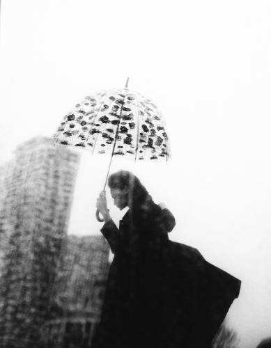 DEVASTEEと英国王室御用達レイングッズメーカーFULTONのコラボ透明傘が日本限定発売