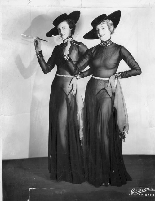 1930s showgirls, love these costumes.