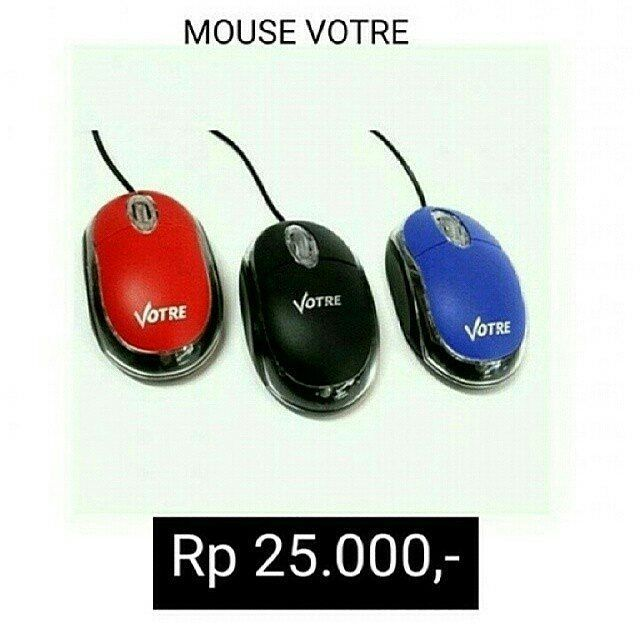 MOUSE VOTRE  . Mouse dengan kabel yang di desain mengikuti lekukan bentuk tangan sehingga nyaman saat digunakan bahkan untuk waktu yang lama  variasi lampu menjadikan mouse ini keren dan modern . Harga Rp 25.000 - . Hanya warna hitam . Order  Line : @ jakartakomputer ( pakai @ yaa ) Whatsapp: 08787 8775 832  Bbm : 5B04D5D6  Jakarta-Komputer.com  #mousevotre #votre #mouse #jktkom #jakartakomputer #imbisnis #reseller #infodropship