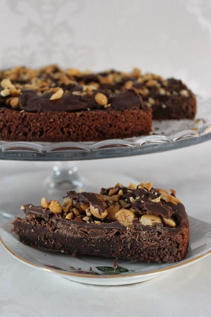 Brownie-suolapähkinäpiirakka