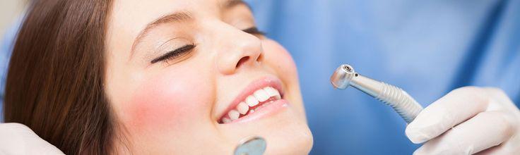 Somos especialistas en tratamientos de ortodoncia, implantes, blanqueamientos, periodoncia, coronas de porcelana, prótesis fijas y removibles, tratamientos con sedación.  Clínica Dental Baluarte