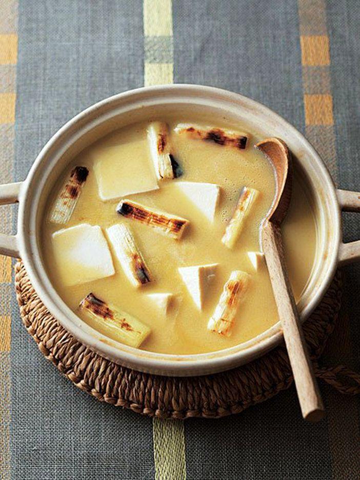 ちょっとコクある、湯豆腐のニューフェイス|『ELLE a table』はおしゃれで簡単なレシピが満載!