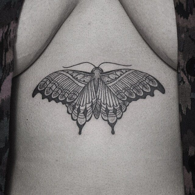 Thanks Chantelle.   #rachainsworth #tattoo #sticksandstones #berlin #neukölln #underboob