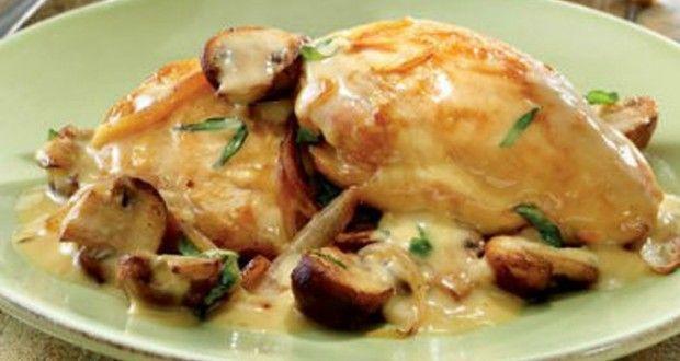Υλικά για 4-6 άτομα  2 φιλέτα κοτόπουλο 3 κουταλιές της σούπας τυρί κρέμα 1 μικρή κρέμα γ...