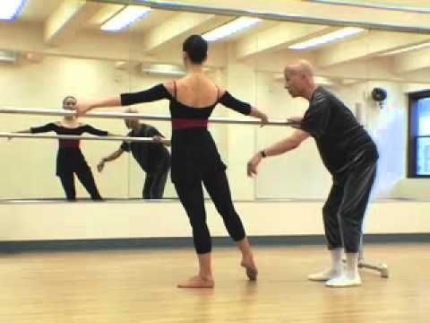 FINIS JHUNG BALLET BASICS   SERIES 1: PIROUETTE EN DEHORS