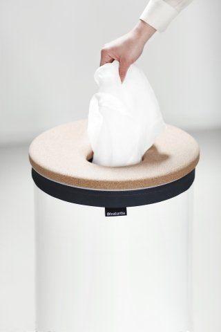 Koš na prádlo v mátové barvě o objemu 60 litrů s vysoce moderním korkovým víkem vynikne v každé koupelně nebo prádelně. Koš je nejen moderní, ale také vysoce praktický.