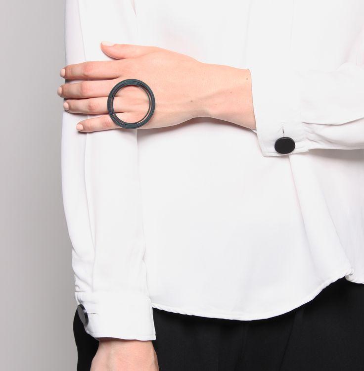 3D printed ring, minimal design http://tipo00design.com/capellini